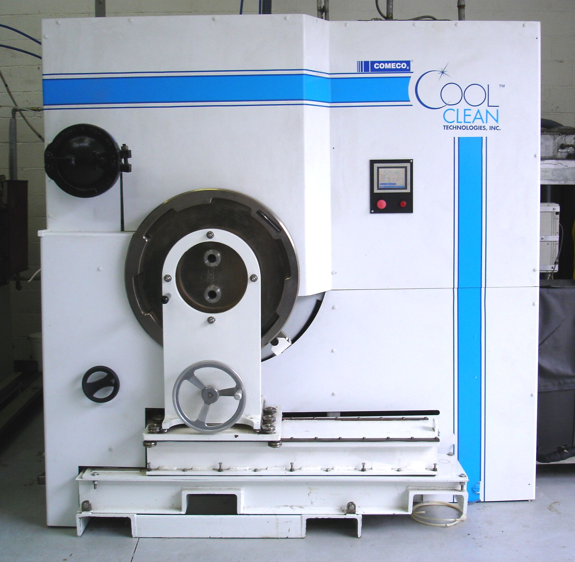 Dry Cleaning Machine Using Liquid CO2